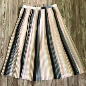 🌟 Calvin Klein pleated skirt 🌟
